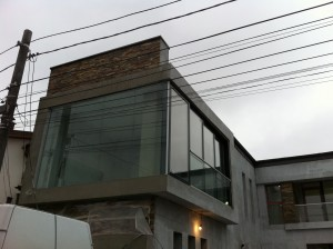 fatada din sticla -glisari Al -balustrada (2)