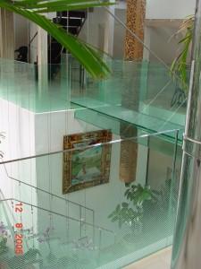 pod -balustrade-trepte din sticla